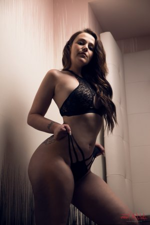 Leoncette escort girls in Ketchikan