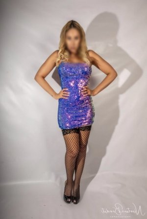 Hanina live escort in Charleston SC